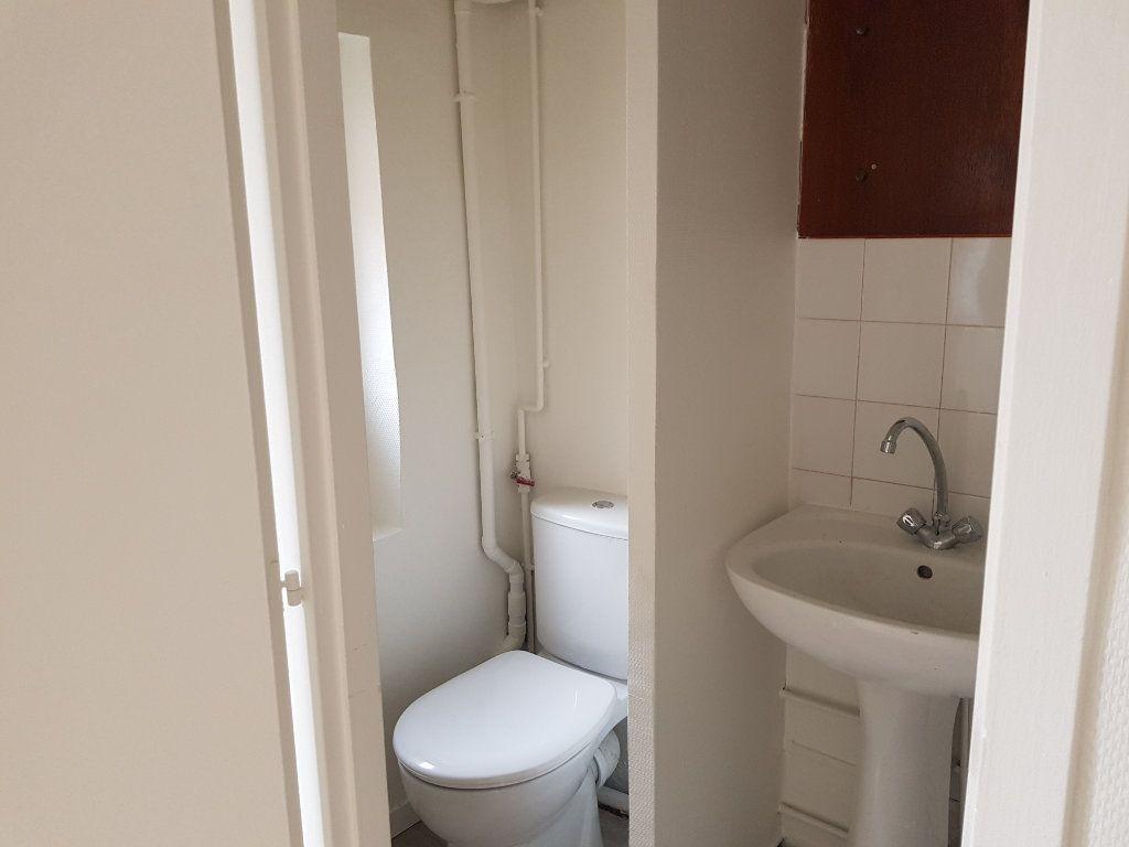 Appartement à louer 1 20m2 à Mamers vignette-4