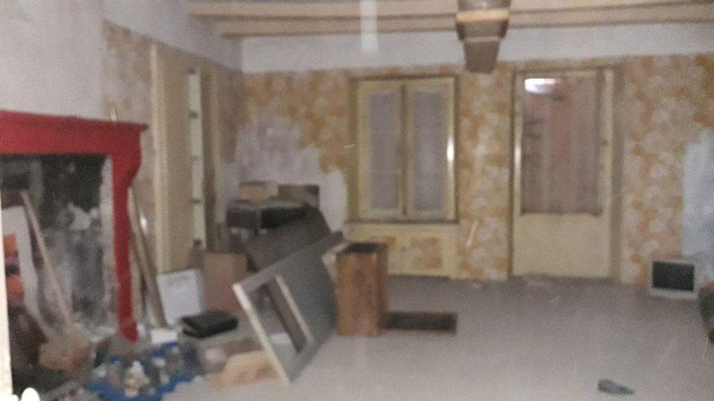Maison à vendre 3 107m2 à Saint-Cosme-en-Vairais vignette-4