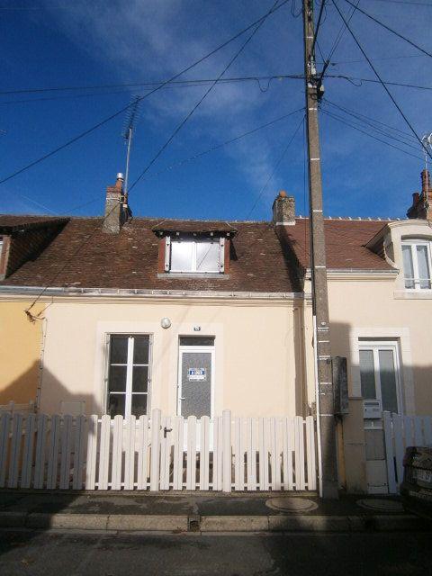 Maison à louer 3 62m2 à Mamers vignette-1