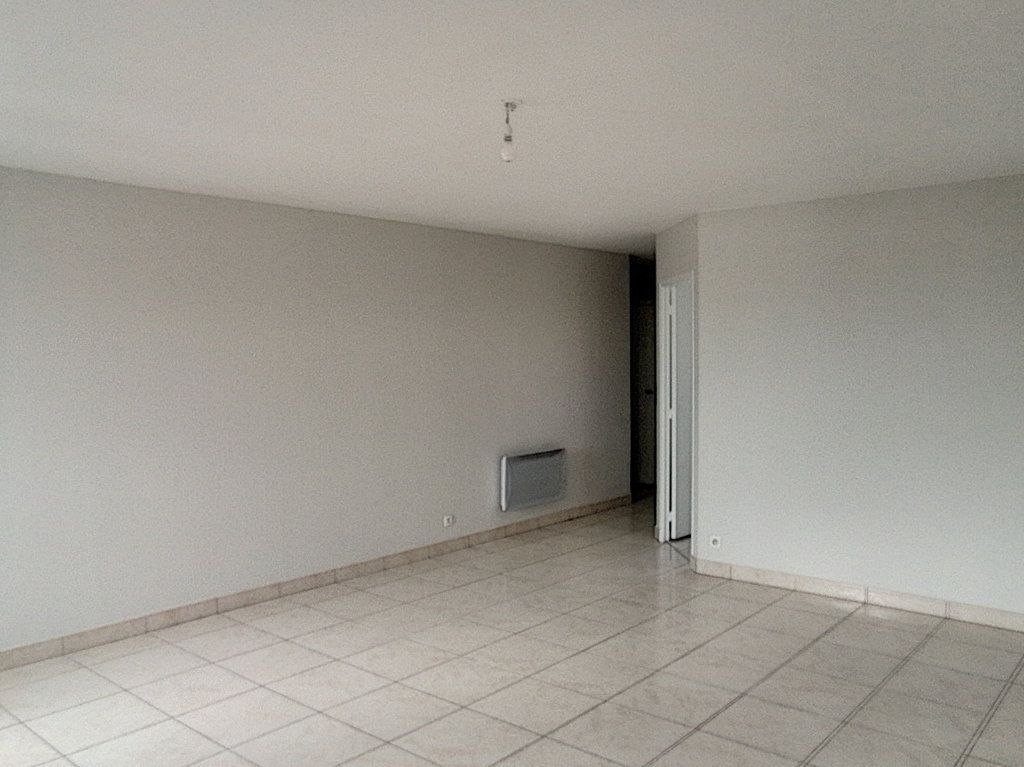 Appartement à louer 4 82.79m2 à Le Mans vignette-4