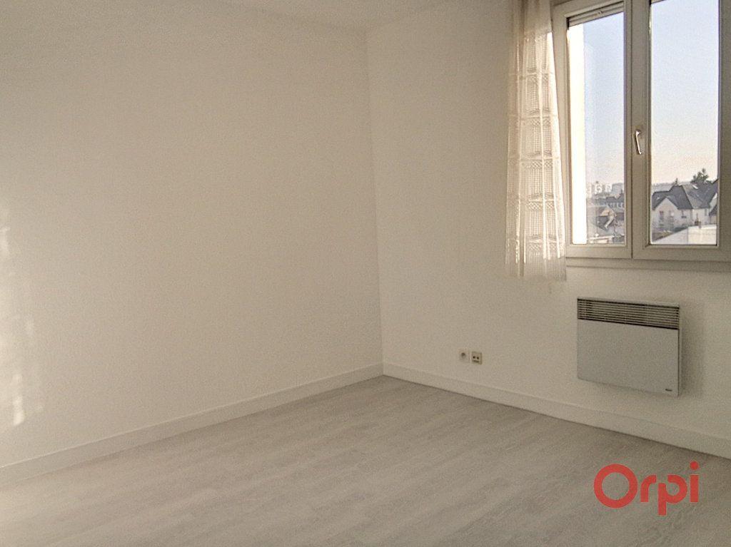 Appartement à louer 4 82.79m2 à Le Mans vignette-6