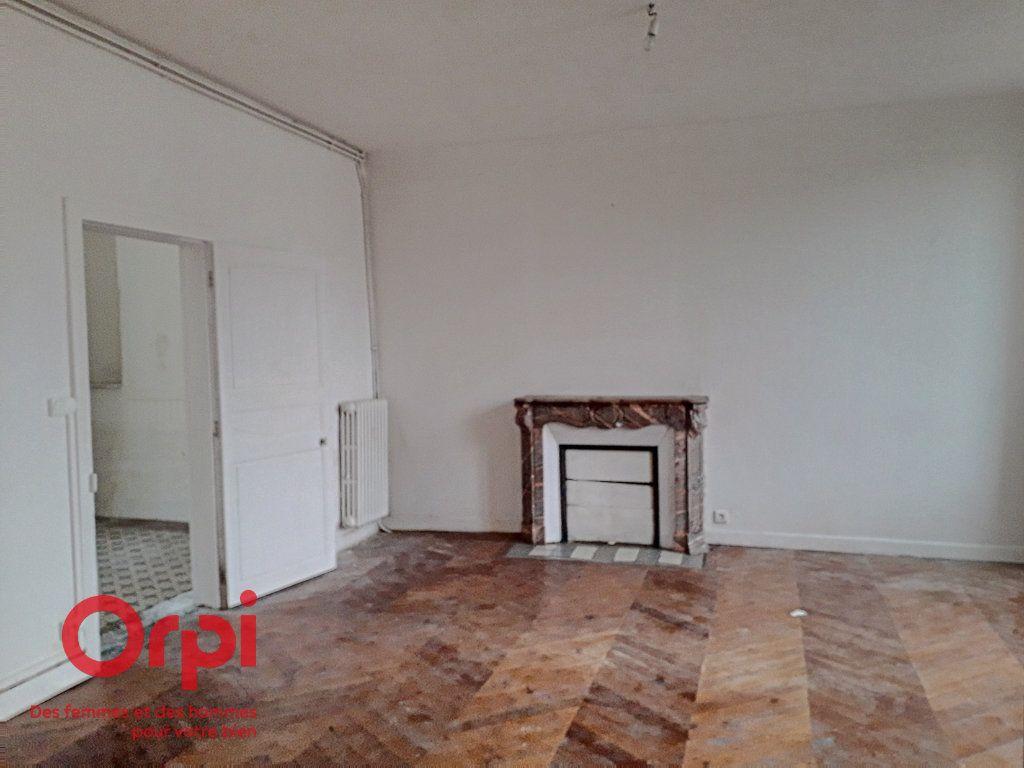 Maison à vendre 8 136m2 à Mamers vignette-2