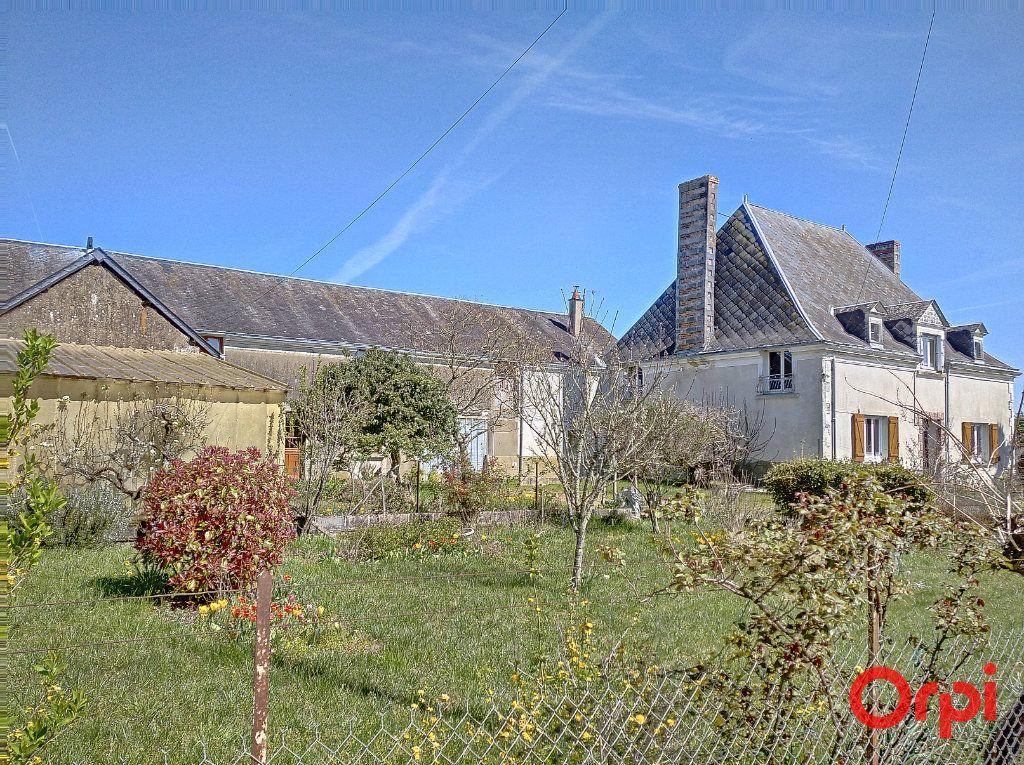Maison à vendre 10 350m2 à Luché-Pringé vignette-1