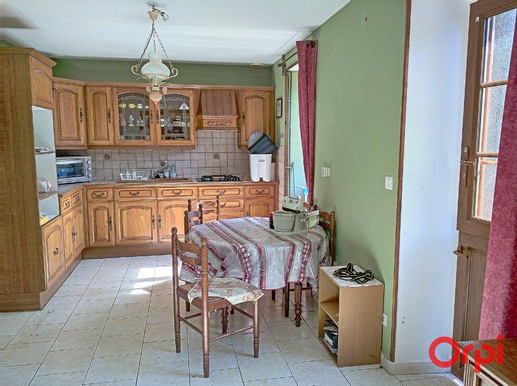 Maison à vendre 10 350m2 à Luché-Pringé vignette-4