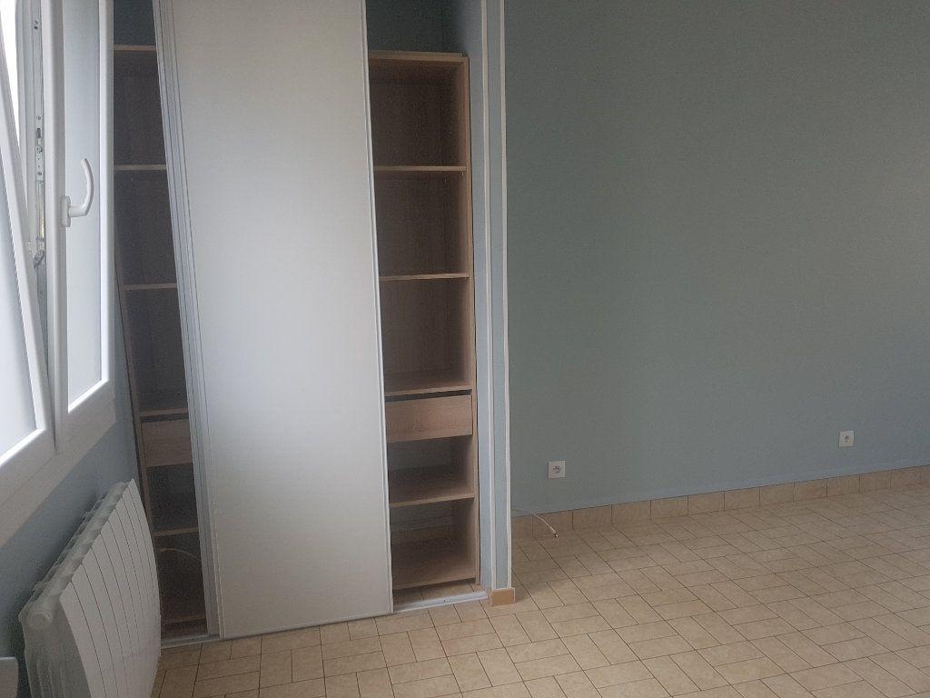 Appartement à louer 2 49m2 à Marolles-les-Braults vignette-4