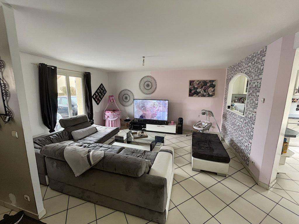 Maison à vendre 6 141m2 à Saint-Jean-d'Assé vignette-1