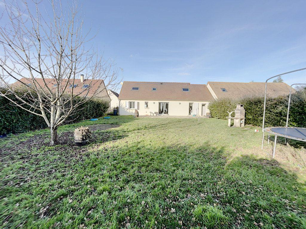 Maison à vendre 6 141m2 à Saint-Jean-d'Assé vignette-2