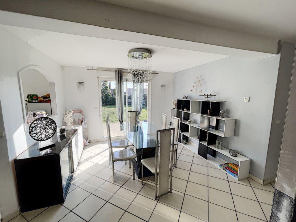 Maison à vendre 6 141m2 à Saint-Jean-d'Assé vignette-4