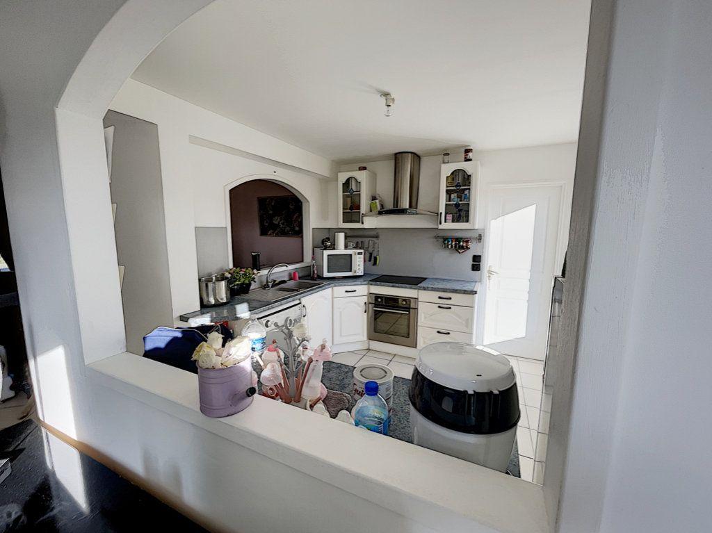 Maison à vendre 6 141m2 à Saint-Jean-d'Assé vignette-5