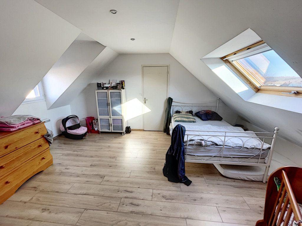 Maison à vendre 6 141m2 à Saint-Jean-d'Assé vignette-9