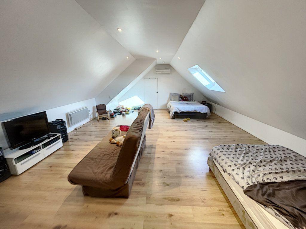 Maison à vendre 6 141m2 à Saint-Jean-d'Assé vignette-10