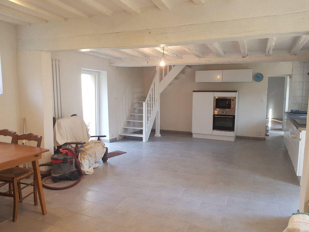 Maison à louer 5 109m2 à Aillières-Beauvoir vignette-9