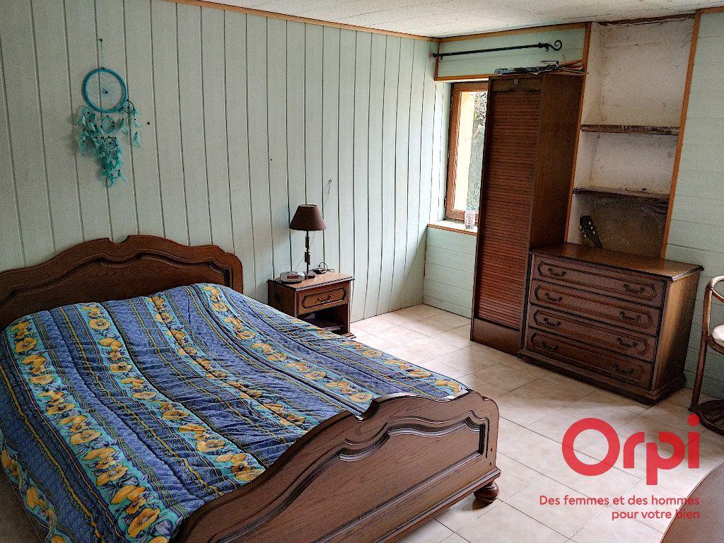 Maison à vendre 5 103m2 à Gréez-sur-Roc vignette-5