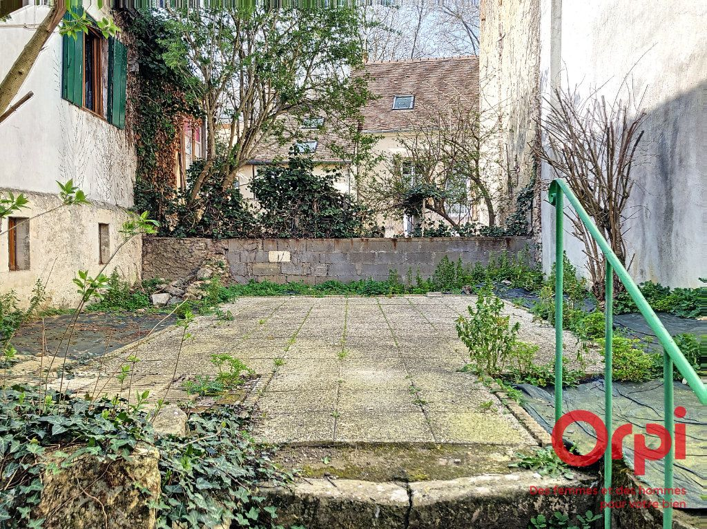 Appartement à vendre 3 60m2 à La Ferté-Bernard vignette-2