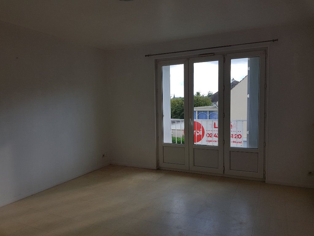 Appartement à louer 5 65m2 à Fresnay-sur-Sarthe vignette-2