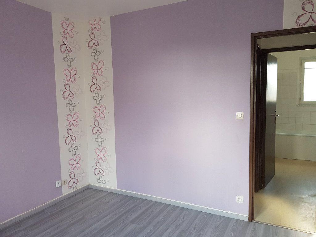 Appartement à louer 5 65m2 à Fresnay-sur-Sarthe vignette-6