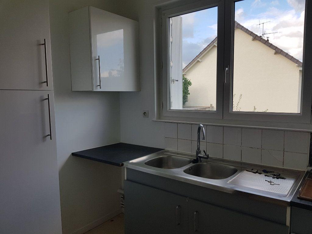 Appartement à louer 5 65m2 à Fresnay-sur-Sarthe vignette-7