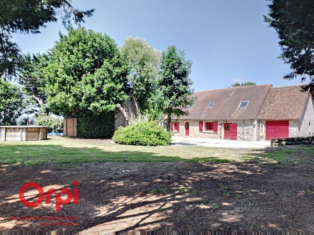Maison à vendre 6 120m2 à Sougé-le-Ganelon vignette-1