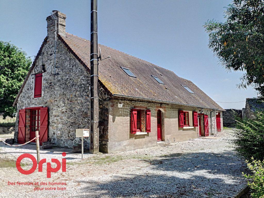 Maison à vendre 6 120m2 à Sougé-le-Ganelon vignette-4