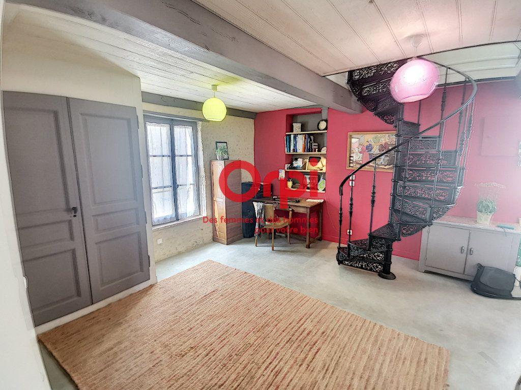 Maison à vendre 4 100m2 à Nogent-le-Bernard vignette-1