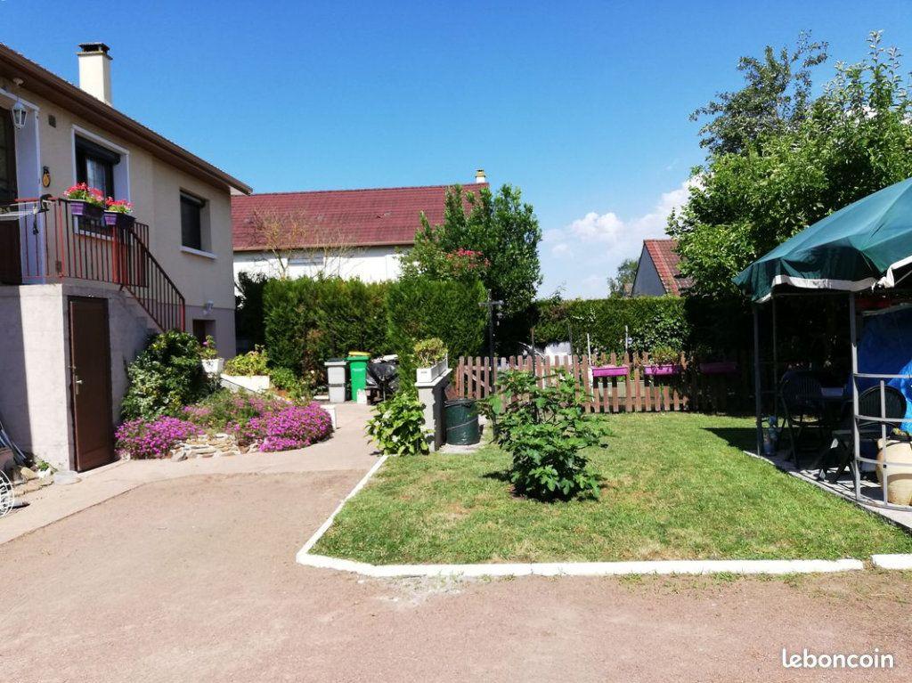 Maison à vendre 4 105m2 à Ruaudin vignette-1