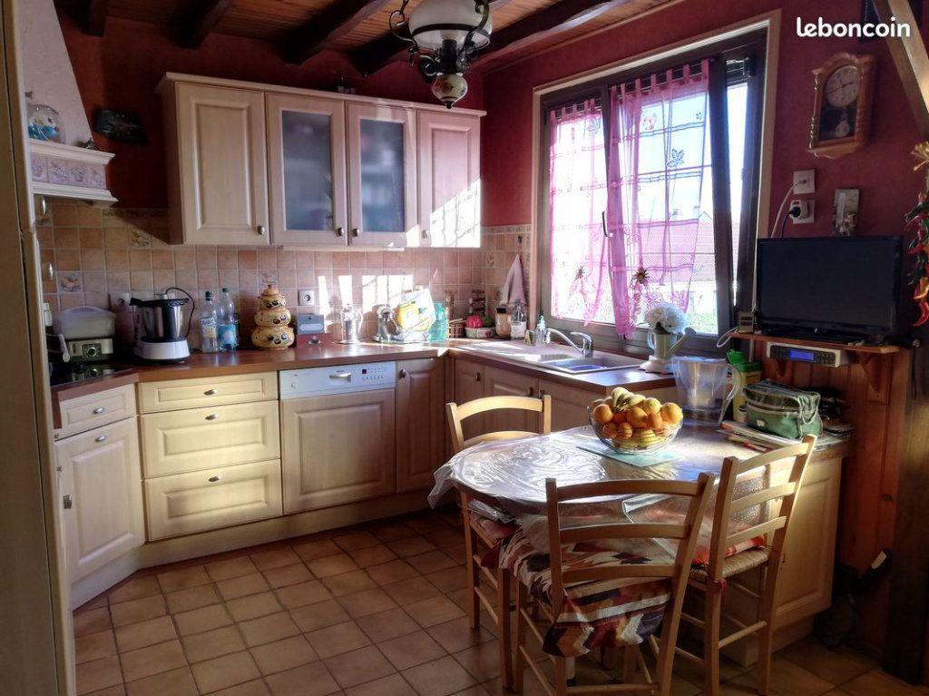 Maison à vendre 4 105m2 à Ruaudin vignette-3