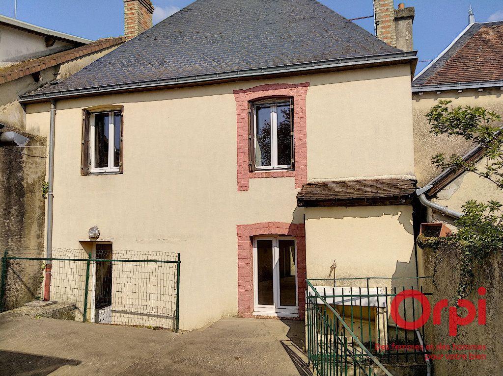 Maison à vendre 5 92.41m2 à Lavaré vignette-1