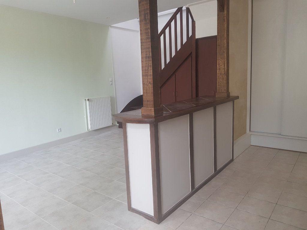 Maison à louer 3 60m2 à Mamers vignette-10