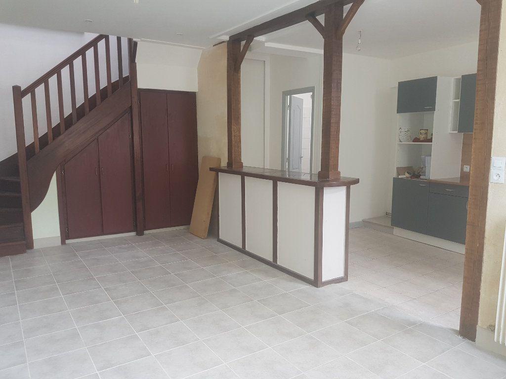 Maison à louer 3 60m2 à Mamers vignette-17