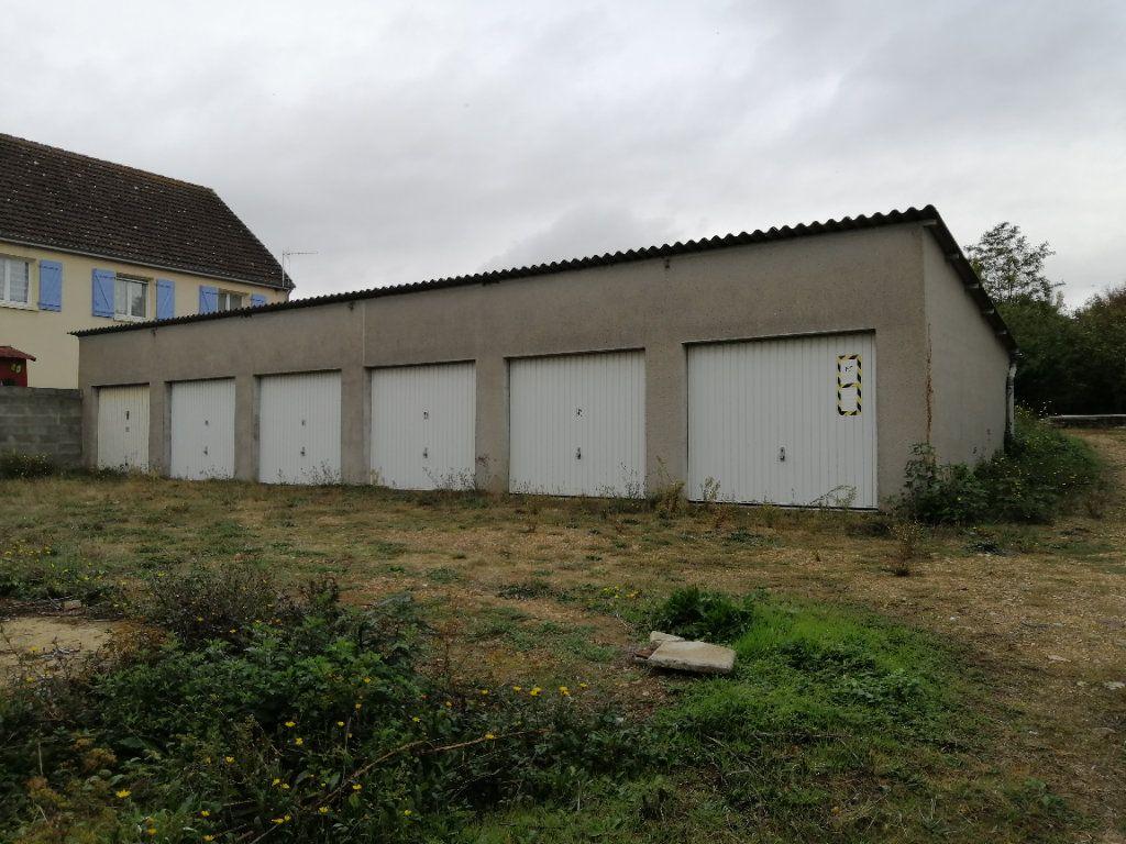 Stationnement à louer 0 13m2 à Conflans-sur-Anille vignette-1
