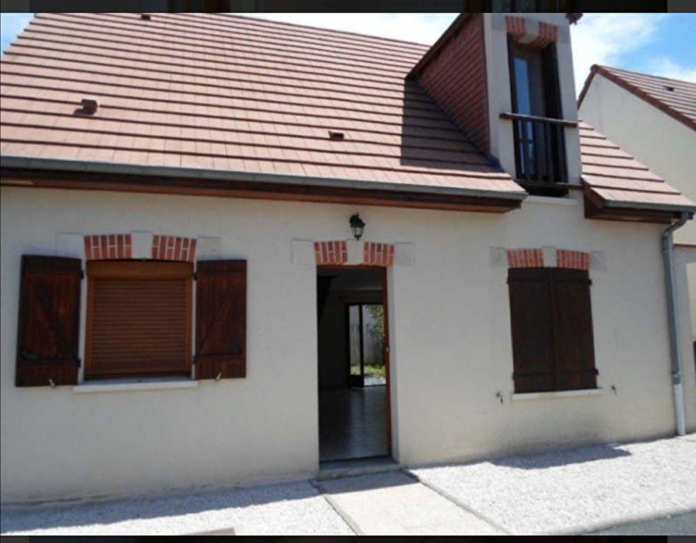 Maison à louer 4 0m2 à Romorantin-Lanthenay vignette-2
