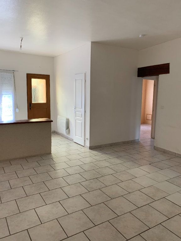 Maison à louer 4 98m2 à Romorantin-Lanthenay vignette-1