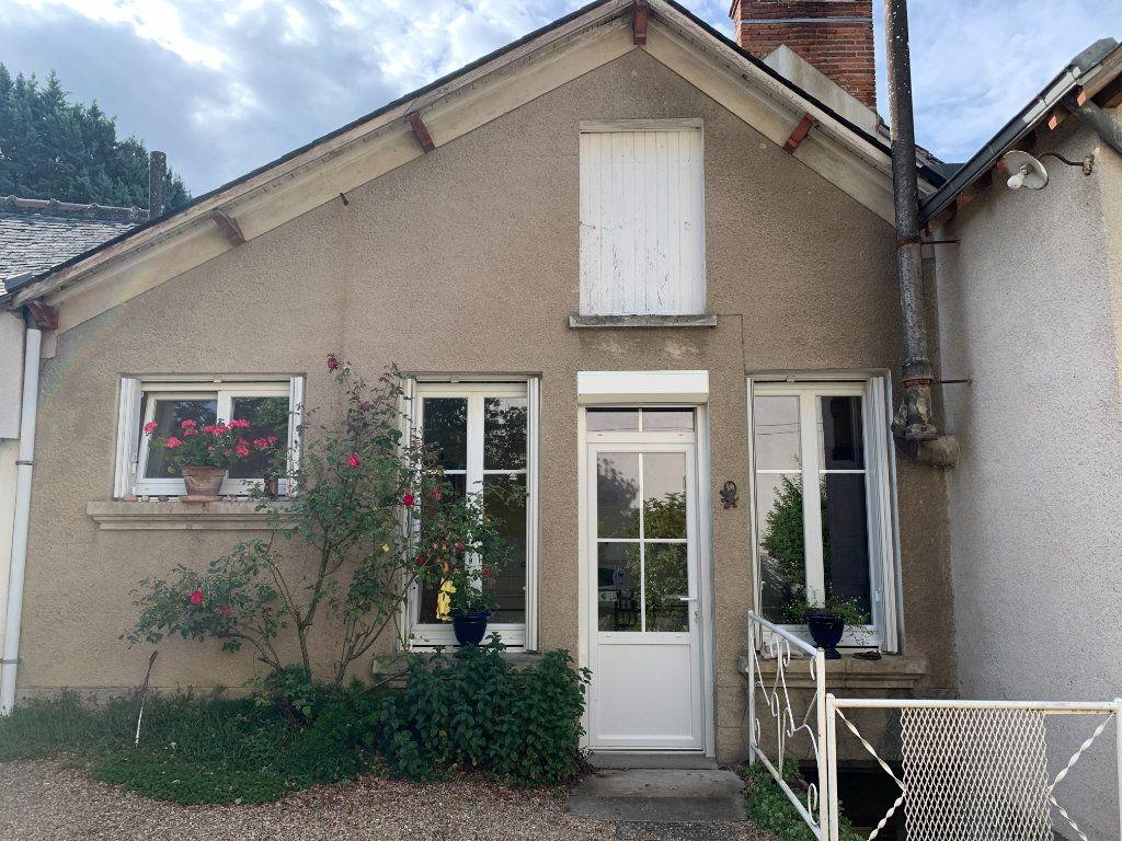 Maison à louer 2 44m2 à Saint-Christophe-en-Bazelle vignette-1