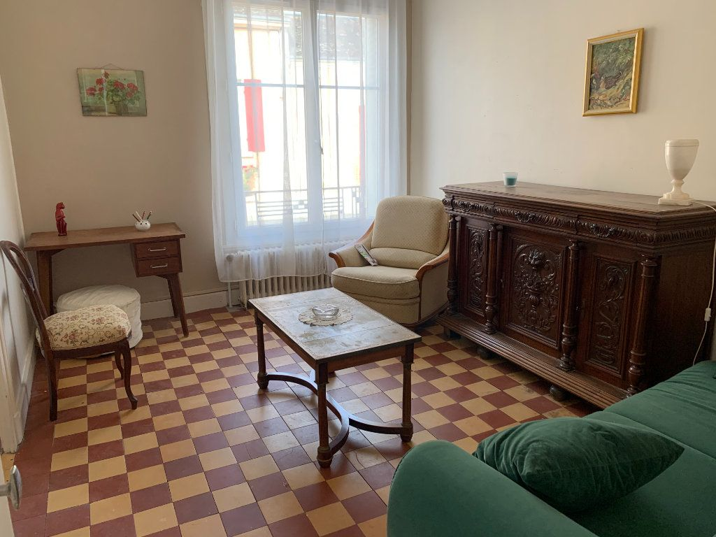 Maison à louer 2 44m2 à Saint-Christophe-en-Bazelle vignette-2