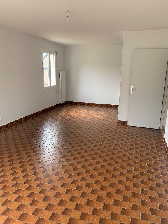 Appartement à louer 3 70.48m2 à Romorantin-Lanthenay vignette-5