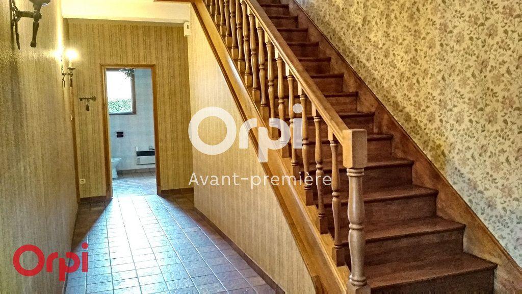 Maison à vendre 7 264m2 à Montmarault vignette-3