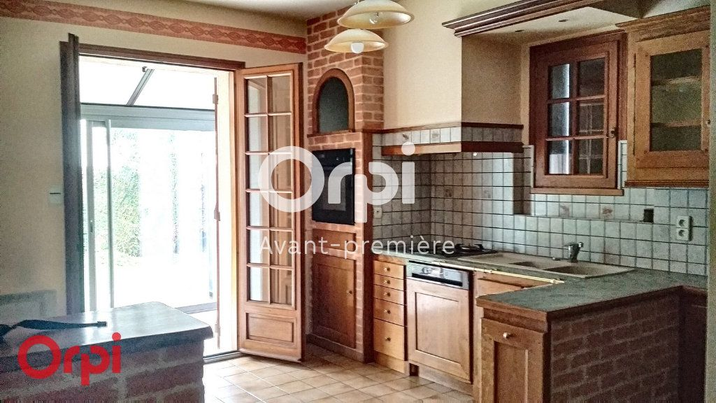Maison à vendre 7 264m2 à Montmarault vignette-4