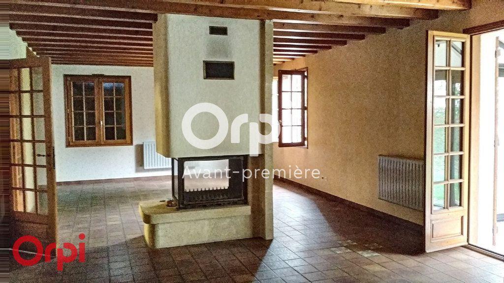 Maison à vendre 7 264m2 à Montmarault vignette-6