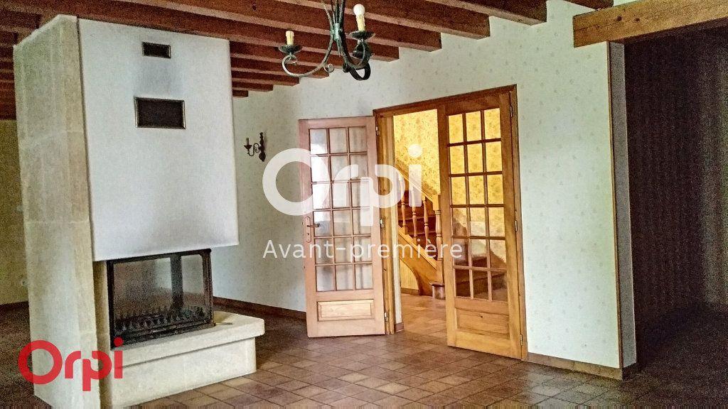 Maison à vendre 7 264m2 à Montmarault vignette-7
