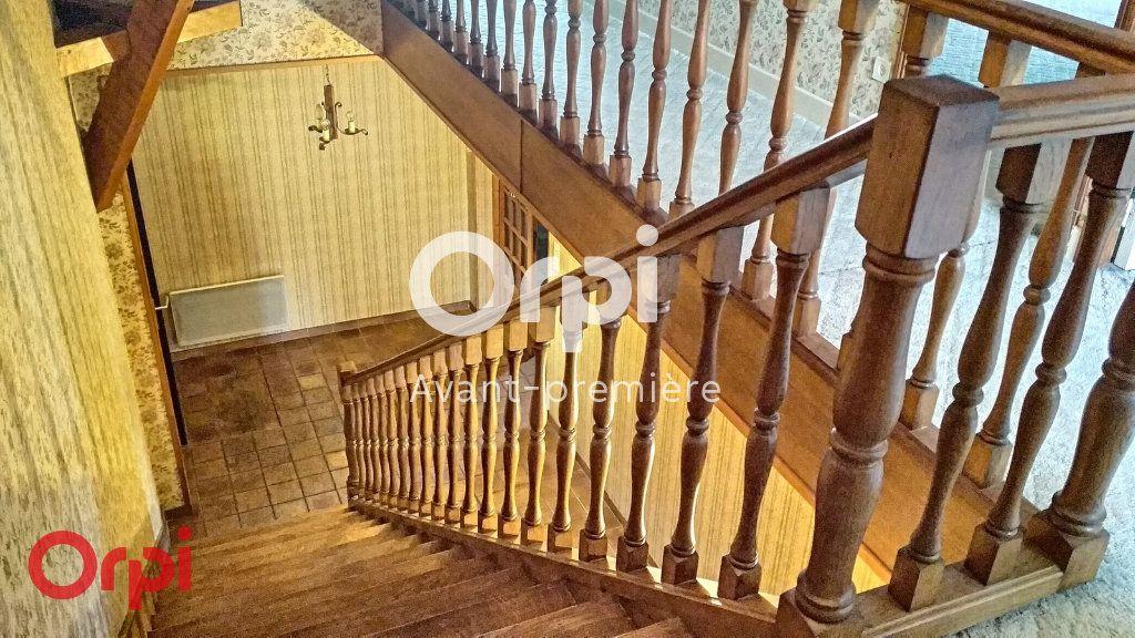 Maison à vendre 7 264m2 à Montmarault vignette-8