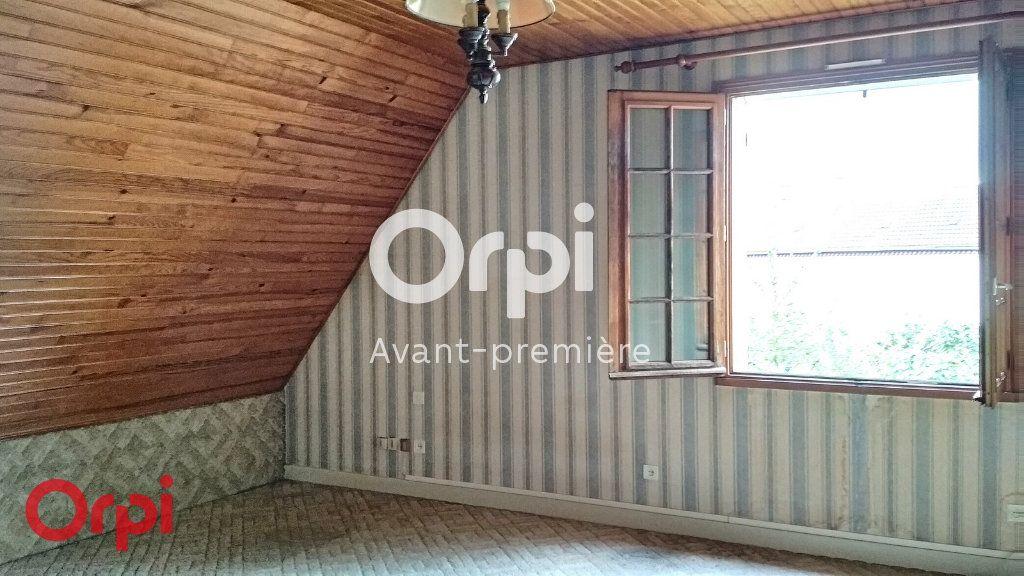 Maison à vendre 7 264m2 à Montmarault vignette-11