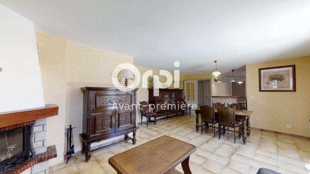 Maison à vendre 5 102m2 à Saint-Maximin-la-Sainte-Baume vignette-2