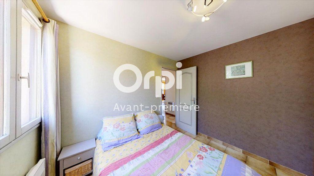 Maison à vendre 5 102m2 à Saint-Maximin-la-Sainte-Baume vignette-4
