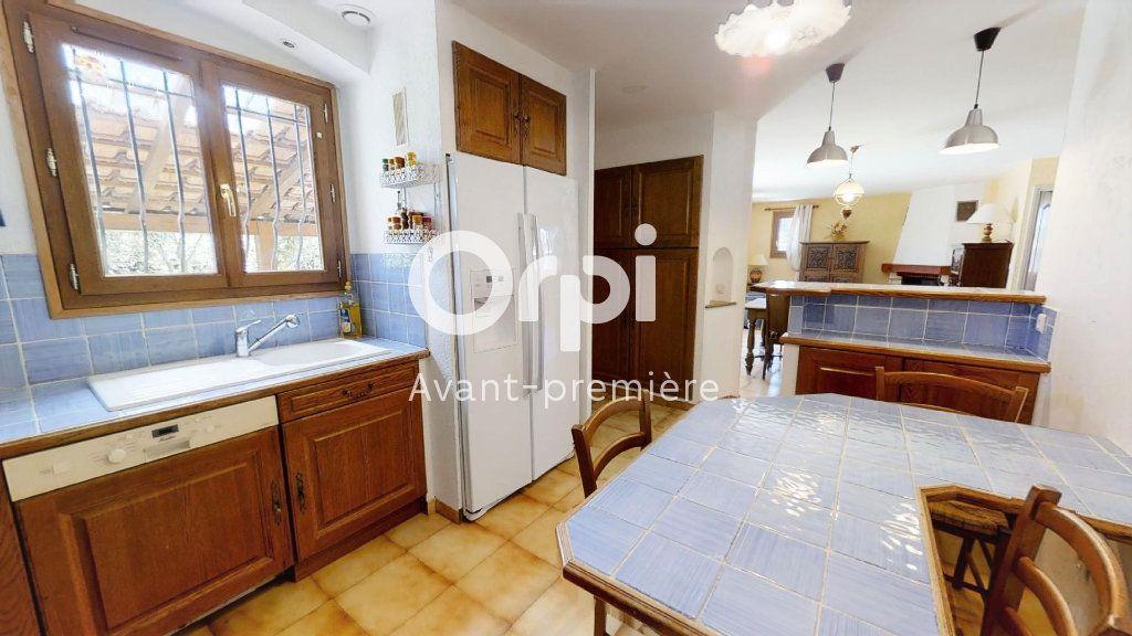 Maison à vendre 5 102m2 à Saint-Maximin-la-Sainte-Baume vignette-5