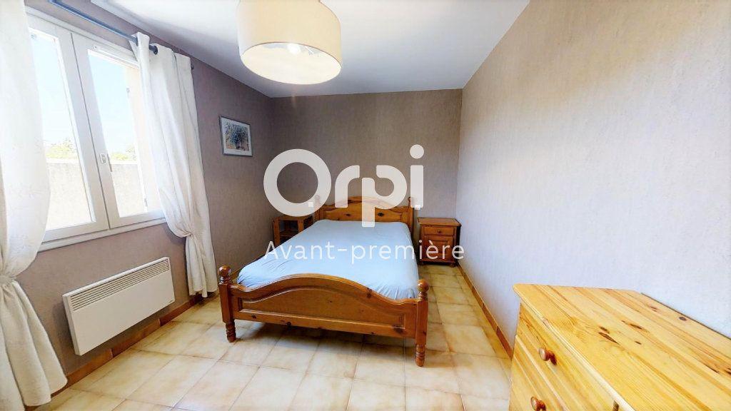 Maison à vendre 5 102m2 à Saint-Maximin-la-Sainte-Baume vignette-6
