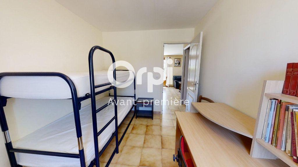 Maison à vendre 5 102m2 à Saint-Maximin-la-Sainte-Baume vignette-7