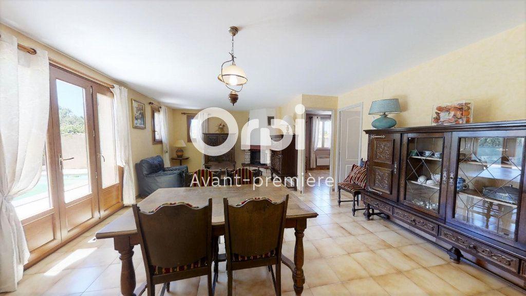Maison à vendre 5 102m2 à Saint-Maximin-la-Sainte-Baume vignette-8