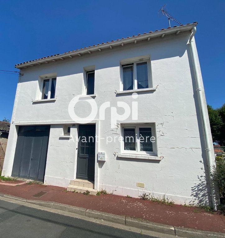Maison à vendre 6 98m2 à Rochefort vignette-1