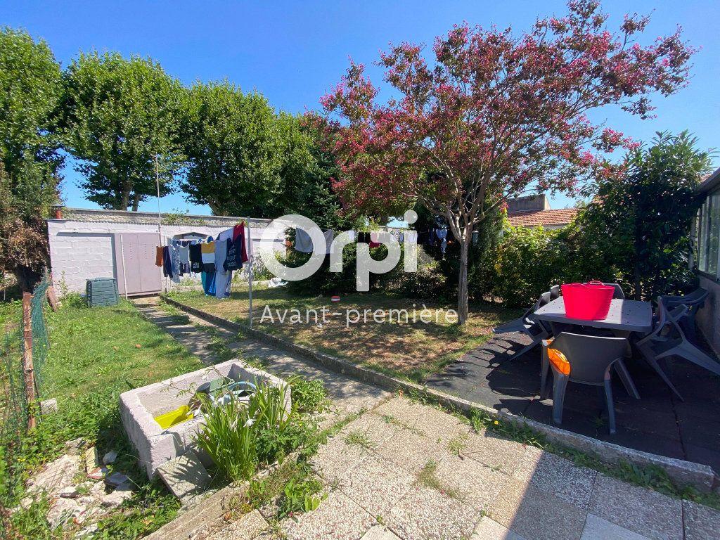 Maison à vendre 6 98m2 à Rochefort vignette-5
