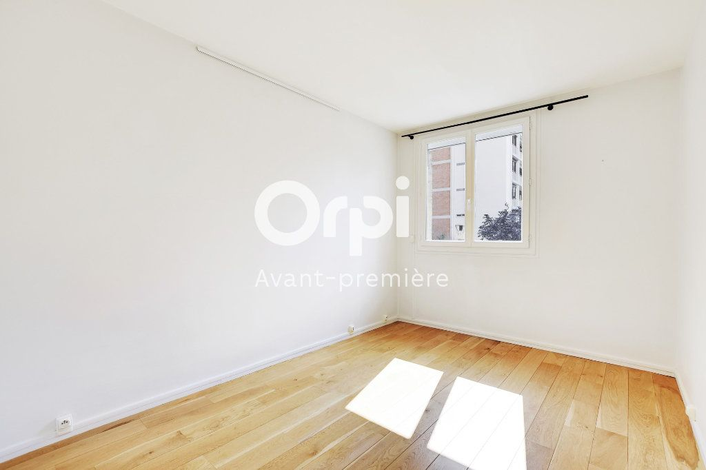 Appartement à vendre 3 61.1m2 à Paris 15 vignette-4